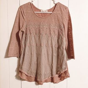 FREE PEOPLE style Embroidered lace Top